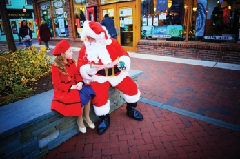 Santa and little girl in Cape May, NJ